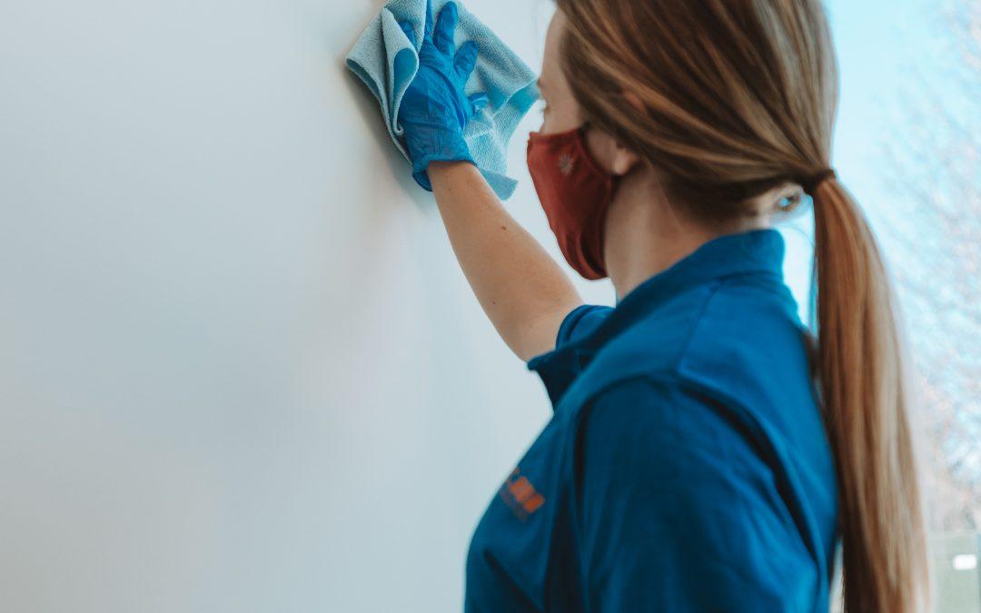 Hi-Tec Hacks: Cleaning With Vinegar